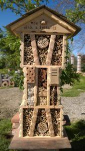 Hôtel à insectes moyen